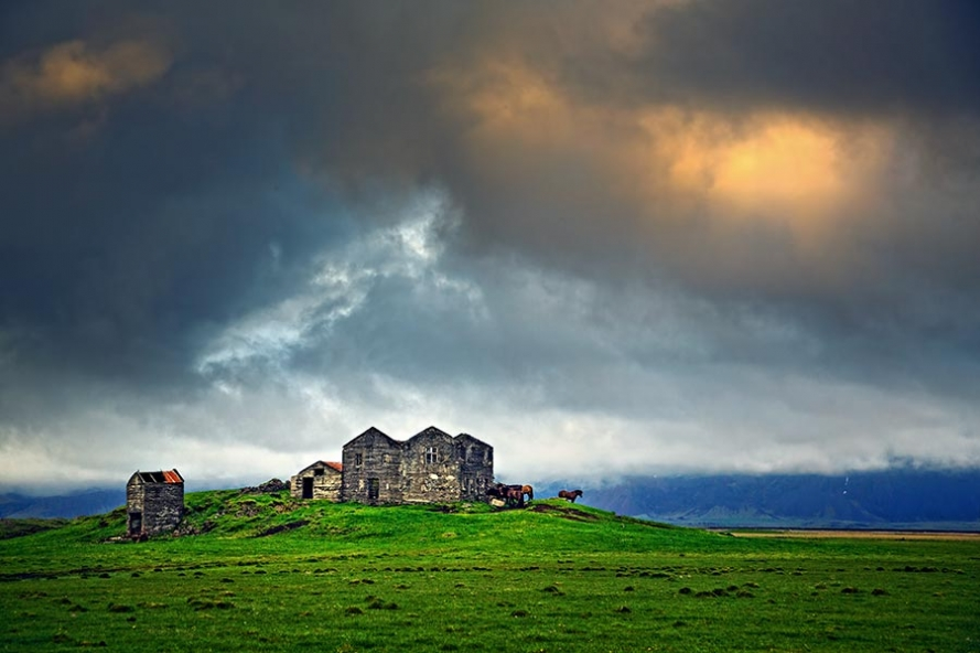 abandoned house on the road to Hofn in Iceland